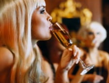 Cat de mult ingrasa vinul?