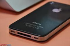 Cat munceste un roman ca sa-si permita un iPhone 6 (Grafic)