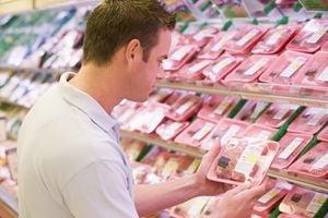 Cat poti tine carnea in frigider sau congelator