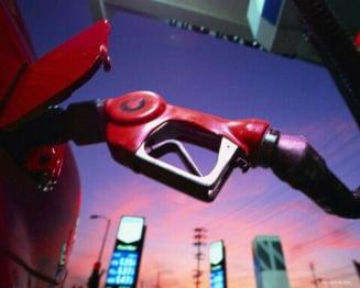 Cat se mai poate ieftini benzina?