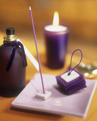 Cat sunt de periculoase odorizantele de camera si betisoarele parfumate: Unele au chiar risc cancerigen