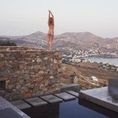 Cat te costa o vacanta in Grecia in 2021. Calculul detaliat facut de un roman pentru sejurul pe o insula in Marea Egee VIDEO