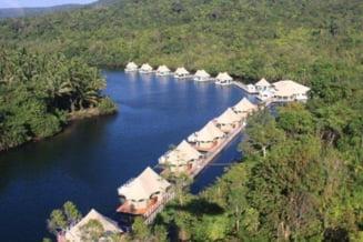Cat te costa sa te cazezi pe apa, in jungla cambodgiana? (Galerie foto)