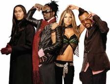 Cat te costa sa-ti cante Susan Boyle sau Black Eyed Peas la petrecere