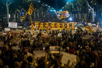 Catalonia si-a proclamat independenta, Spania i-a dizolvat Executivul si Parlamentul. Alegeri anticipate in 21 decembrie