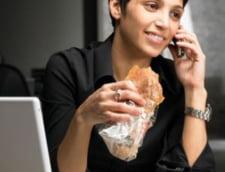 Cate calorii asimilezi din gustarile nevinovate de la birou