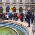 Cateva sute de persoane protesteaza in Piata Victoriei fata de restrictiile impuse in contextul pandemiei VIDEO UPDATE