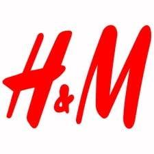 Cati bani primesc clientii H&M pentru o sacosa cu haine reciclate?