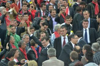 Cati romani ar vota cu Ponta si cati ar vota cu Antonescu la prezidentiale - sondaj INSCOP