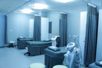Caz revoltator la Arad. Un pacient cu accident vascular ar fi fost ignorat opt de ore de medicii de la UPU si a ramas paralizat