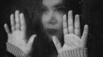 Caz socant la Dej. Copila de 14 ani abuzata sexual de un barbat de 50 de ani, cu acceptul mamei ei