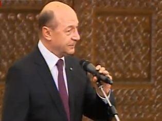 Cazanciuc a depus juramantul. Basescu: MCV favorabil, principalul obiectiv