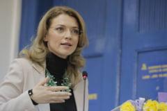"""Cazul Sova: Un ministru o ataca pe Alina Gorghiu: S-a transformat in """"Coana"""" Leonida"""