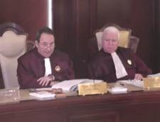 """Cazul domnului Lazaroiu: Gardienii Constitutiei incalca Constitutia. CCR e acuzata ca face """"abuz de drept"""""""