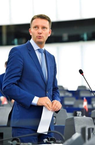 Cazul-premiera Rovana Plumb: Siegfried Muresan spune ca legaturile de clan sunt mai importante in PSD ca reputatia Romaniei