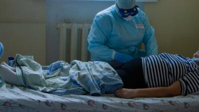 Cazurile grave de pacienți cu COVID-19 sunt în creștere în spitalele israeliene. Autoritățile au început vaccinarea cu a treia doză