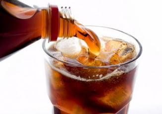 Ce a patit o femeie care a baut doar Cola vreme de 16 ani
