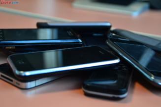 Ce au cumparat romanii in 2012: Smartphone-urile si imprimantele, in top (Video)