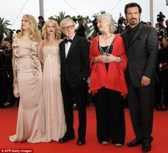 Ce au purtat vedetele pe covorul rosu de la Cannes (Galerie Foto)