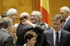 Ce au vorbit marii rivali Basescu si Nastase, pusi azi sa stea unul langa altul in Parlament