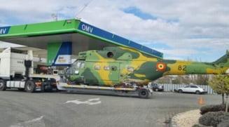 Ce cauta un elicopter al Armatei Romane intr-o benzinarie din Focsani. Fotografia care s-a viralizat pe internet