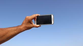 Ce cred cu adevarat oamenii despre selfie-urile tale, potrivit psihologilor
