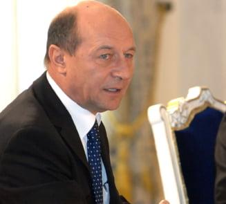 Ce le-a spus Basescu parlamentarilor, in spatele usilor inchise? (Audio)