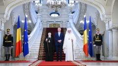Ce le-a transmis Iohannis patriarhilor Bartolomeu si Daniel (FOTO) De ce nu merge presedintele la sfintirea Catedralei Neamului