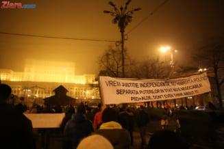Ce mesaje au parlamentarii care modifica Legile Justitiei pentru cei care protesteaza in strada