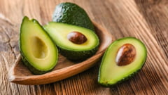 """Ce minuni aduce organismului consumul de avocado, numit si """"untul zeilor"""" sau """"arborele cu testicule"""""""