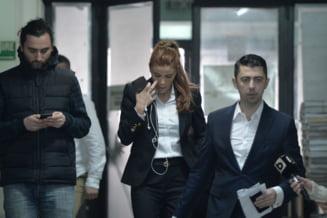 Ce nu s-a vazut la televizor de la procesul familiei Cosma: lacrimi, regrete si amenintari