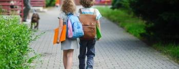 Ce poti afla despre copilul tau daca urmaresti ce face in recreatie