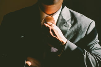 Ce poti pati de la o simpla cravata