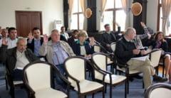 Ce primarii au primit bani de la Consiliul Judetean si ce edili si-au aratat nemultumirea