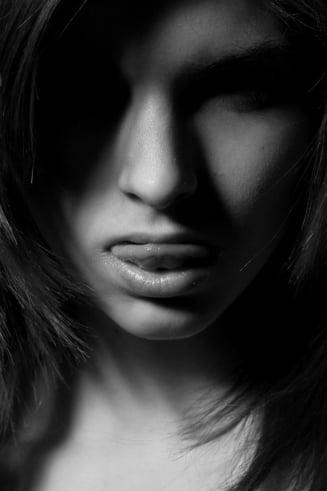 Ce risti daca nu-ti cureti si limba
