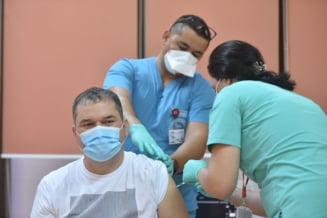 Ce sancțiuni vor primi angajații din sistemul medical care refuză să se vaccineze. Anunțul ministrului Cseke Attila