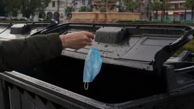 """Ce se intampla cu milioanele de masti folosite si aruncate la gunoi in totala dezordine: """"Procedurile trebuie securizate"""""""