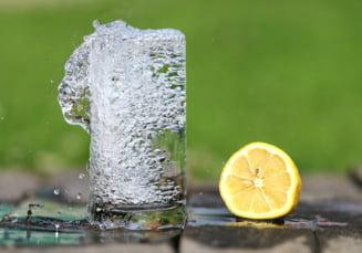 Ce se intampla daca bem numai apa