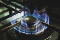 Ce soluții a găsit Spania pentru reducerea facturilor la gaze și energie: plafonează prețurile, reduce taxele