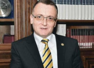 Ce spune noul ministru al Educatiei despre intentia lui Ponta de a renunta la titlul de doctor in Drept
