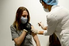 Ce trebuie sa stie femeile despre vaccinul anti-COVID. Cum influenteaza serul imaginea proiectata pe mamografie