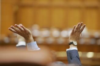 Ce tunuri dau parlamentarii la final de sesiune