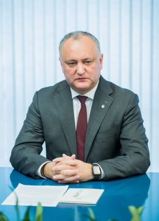 Ce urmeaza la Chisinau: Dodon negociaza cu blocul ACUM, dar are si o varianta de rezerva