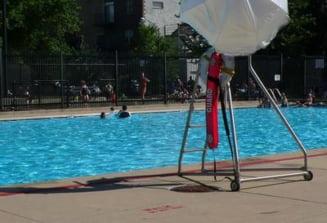 """Cea mai """"vesela"""" piscina unde te dezbraci in functie de orientarea sexuala"""