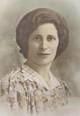 Cea mai batrana femeie din lume a murit la 117 ani. Iata o poza a sa din anul 1900 (Foto)