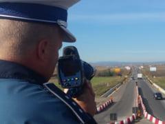 Cea mai mare actiune a Politiei Rutiere Suceava. Peste 1200 de soferi verificati in ultimele patru zile, fiind aplicate 734 de sanctiuni, din care aproape 400 pentru viteza