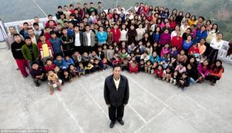 Cea mai mare familie din lume - 39 de sotii si 94 de copii