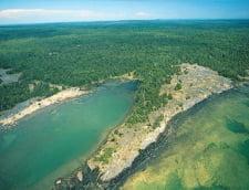 Cea mai mare insula lac - Canada