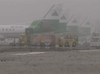 Ceata pe aeroporturi: 11 curse interne si internationale anulate pe Otopeni
