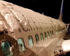 Ceata si ninsori abundente la Iasi: Sute de persoane sunt blocate pe aeroport din cauza curselor amanate